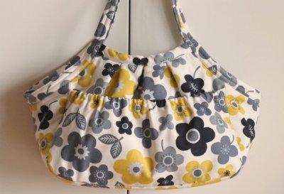 画像1: キャリーバッグG 黄色い花